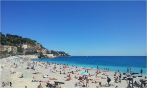 Langit biru dan laut biru Nice
